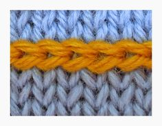 TECHknitting: Slip stitch surface decoration: Fake Latvian Braid (Applied color knitting, part 1)