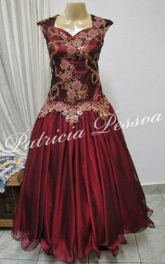 Ideias Fashion, Costumes, Formal Dresses, How To Wear, Clothes, Gorgeous Dress, Party Dress, Themed Outfits, Gypsy Clothing