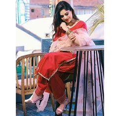 Punjabi Suits Designer Boutique, Indian Designer Suits, Trendy Suits, Stylish Suit, Stylish Girls Photos, Stylish Girl Pic, Pakistani Fashion Party Wear, Punjabi Fashion, Indian Fashion
