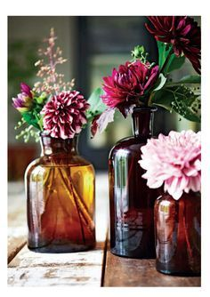 love the amber mini vases tinkered treasures: selina's seventh: botanical style Romantic Home Decor, Fall Home Decor, Autumn Home, Wedding Centerpieces, Wedding Table, Fall Wedding, Wedding Decorations, Wedding Ideas, Amber Bottles