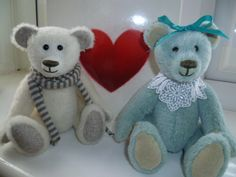 Hand stitched mohair bears by JABAKAT