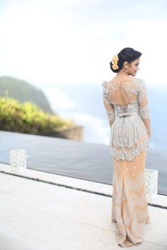 Mathilda's Dream Wedding at The Edge, Uluwatu. Kebaya by Vera Kebaya - www.thebridedept.com