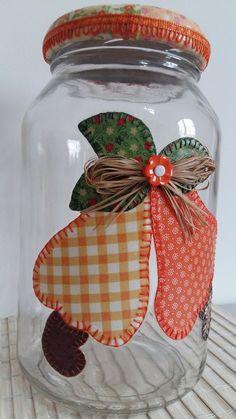patchwork jar etc Diy And Crafts, Arts And Crafts, Paper Crafts, Plastic Bottle Crafts, Altered Bottles, Decorated Jars, Mason Jar Crafts, Bottle Art, Sewing Crafts