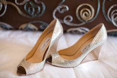 Wedding day is stressful in itself and on top of that it is mandatory for brides to wear heels with their outfits. But let's face the facts, standing or Bridal Sandals, Bridal Shoes, Bridal Footwear, Girls Footwear, Low Heel Shoes, Low Heels, Wedding Heels, Wedding Day, Gold Shoes