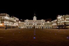 Cosa vedere a Trieste in un giorno: un nuovo itinerario a piedi nella città che ospita la piazza affacciata sul mare più grande d'Europa.