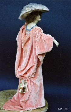 historic dolls clothes  ....... ./....47.28.4 qw