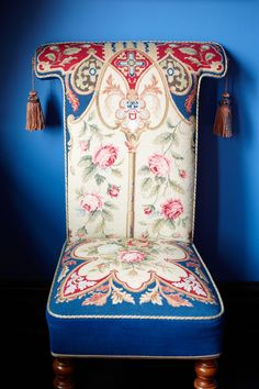 Old World Style - More To Love: June 2013 Cover Shoot with Jaime King - Photos French Dining Chairs, Pink Couch, Gramercy Park, Jaime King, Oriental Decor, Love Chair, French Furniture, Blue Furniture, Spa Design