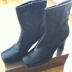 """SALEGuess boots Worn once. heels too high for me. Heels measure 3.5"""", height of boot is 10"""". Says on boot Leather upper balance. Clean, no damage, no stains. Looks brand new. Heavy on shippin so dont lowball price. Shoes"""