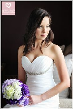 loose, flowing hair for brides and make-up: Robyn Bowles. Photography: Carmen Roberts
