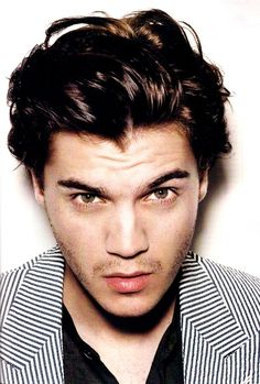 "Emile Hirsch. Wonderful actor. Extraordaniry acting in ""Into the wild"""