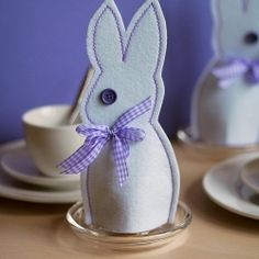 Make these cute and decorative felt bunnies to keep your eggs warm on the breakfast table on Easter morning.