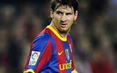 Eros Ramazzotti fa visita al Barcellona, MESSI fa un goal incredibile. Guardate questo video La classe senza confini di Leo Messi: dopo la punizione all'incrocio e il rigore di seconda contro il Celta, il fuoriclasse argentino si e` ripetuto questa volta in un contesto non ufficiale e decisa #messi #ramazzotti #goal
