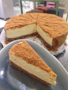Witte chocolade cheesecake met pepernoten bodem en speculaas crumble. Balanced Diet, Cheesecakes, No Bake Cake, Tiramisu, Creme, Sweets, Snacks, Cookies, Ethnic Recipes