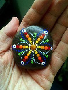 DIY Mandala Stone Patterns To Copy (6)