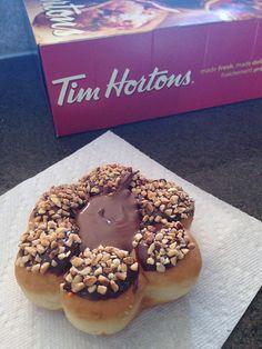 Announcing Nutella Baked Goods at Tim Hortons Entree Recipes, Snack Recipes, Dessert Recipes, Desserts, Nutella Recipes, Coffee Recipes, Nutella Donuts, Doughnuts, Chocolate Hazelnut Cake