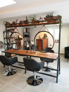 Home Beauty Salon, Home Hair Salons, Hair Salon Interior, Nail Salon Decor, Beauty Salon Decor, Salon Interior Design, Beauty Salon Design, Home Salon, Luxury Nail Salon