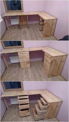 31 Super Ideas for craft room desk diy simple Pallet Desk, Pallet Furniture, Furniture Projects, Pallet Vanity, Vintage Furniture, Desk Redo, Diy Desk, Diy Pallet Projects, Woodworking Projects