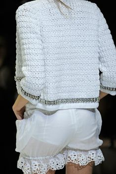 See detail photos for Dolce & Gabbana Spring 2011 Ready-to-Wear collection.