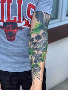 Dark Mark from Harry Potter - DIY - Zelda - tips Galaxy Tattoo Sleeve, Sleeve Tattoos, Band Tattoo, Snake Tattoo, Harry Potter Dark Mark, Dark Harry, Marca Negra Harry Potter, Hai Tattoos, Tatoos
