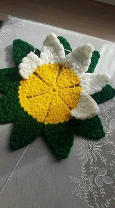 This Pin was discovered by Ayf Puff Stitch Crochet, Crochet Stitches, Crochet Patterns, Crochet Crafts, Crochet Doilies, Crochet Flowers, Crochet Fashion, Needle And Thread, Pretty Little