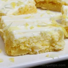 Cream Cheese Lemon Bars recipe - 1 box lemon cake mix - cup butter or margarine, softened - 1 egg - 8 ounces cream cheese - softened - 1 cup powdered sugar - lemon - grated - 2 tablespoons lemon juice or fresh squeezed lemon - 2 eggs - 1 teaspoon vanilla Brownie Desserts, Köstliche Desserts, Delicious Desserts, Dessert Recipes, Lemon Desserts, Yummy Food, Lemon Cream Cheese Bars, Yummy Treats, Sweet Treats