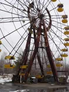 Chernobyl disaster part 3: The amusement park of Prypiat -abandoned
