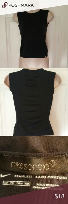 Nike sphere seamless, sleeveless top Great condition, fitted and breathable material  ?? ?? Nike Tops Muscle Tees