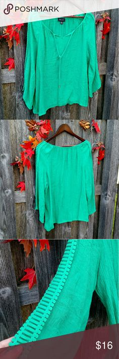Green Scalloped Sleeved Blouse ❤Made in Vietnam ❤65% Rayon and 35% Polyester ❤AB Studio ❤XL ❤Worn maybe twice. Has a banded hem. ❤No trades ❤ Reasonable offers always welcome  All my items are already clean but have been sitting in storage for a while so if you would like them freshly laundered and ready to wear before being shipped, please comment and tag me. Extra $2. 💖💖 AB Studio Tops Blouses