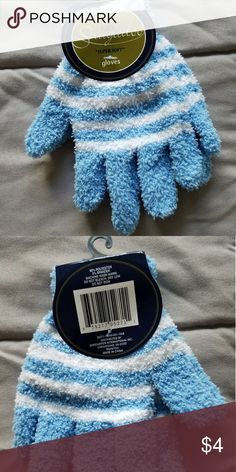 a8b2cf02da Kids Snugadoo gloves New with tags Kids Snugadoo blue and white super soft  gloves. Make