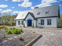 Detached Dormer Bungalow for 6 - Faha Modern Bungalow Exterior, Bungalow House Design, Bungalow Ideas, Dormer House, Dormer Bungalow, House Designs Ireland, Green Windows, Cottages And Bungalows, Minimalist House Design
