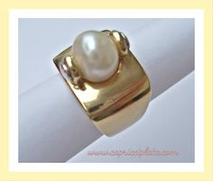 CAPRICCI PLATA: Google+  Anillo de plata 925m. Lo puedes encontrar en www.capricciplata.com y en www.facebook.com/capricci.plata1  #anillos #plata #joyas #silver #jewelry #moda #fashion #woman #regalos #blackfriday #shoppingonline Pearl Earrings, Pearls, Facebook, Signs, Google, Jewelry, Silver Rings, Presents, Jewelery