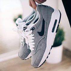 Sneakers femme - Nike Air Max 1                                                                                                                                                                                 Plus