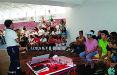 Capacitan a monitores para el Baaxloob Palalo ob en Playa del Carmen