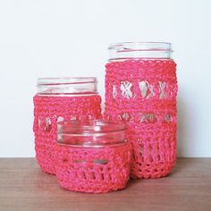 Crochet some quick & fun jar cozies with neon cord from the hardware store! ♥