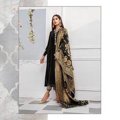 Bookmark These Stylish Outfit Ideas For Eid Simple Outfits, Stylish Outfits, Cool Outfits, Eid Outfits, Bridal Outfits, Muslim Fashion, Indian Fashion, Anarkali Kurti, Embroidered Kurti
