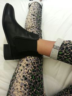 chelsea boots and printed pants