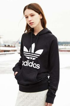 Those iconic three stripes and trefoil logo have topped adidas sneakers, tees, hoodies + so much more for over 60 years. Michael Johnson, Winter Looks, Snowboard, Urban Outfitters, Hooded Sweatshirts, Hoodies, Sporty Chic, Tomboy Chic, Womens Fashion For Work