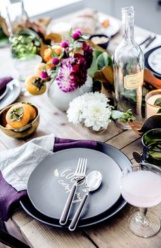 Two inspired holiday tabletop decor ideas just in time for Thanksgiving. Plus, a few pieces you need to get your table ready for the holidays.