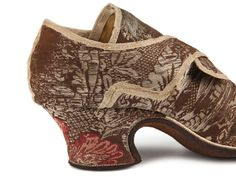 Whip stitched dog leg seam Shoe-Icons / Shoes / Lady's silk wide Louis heels shoes with latchets for buckles.