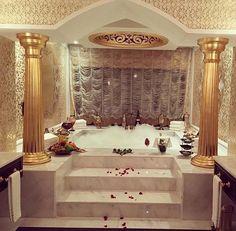 Dream bathrooms, beautiful bathrooms, dream rooms, rich lifestyle, luxury l Dream Bathrooms, Dream Rooms, Beautiful Bathrooms, Romantic Bathrooms, Interior And Exterior, Interior Design, Decoration Inspiration, House Goals, Luxury Living