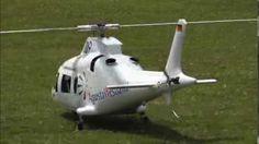 Helicoptero de controle remoto super realista. Lindo
