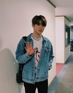 Shall we walk home together Nct 127, Lucas Nct, Jaehyun Nct, Winwin, Taeyong, K Pop, Valentines For Boys, Jung Jaehyun, Na Jaemin