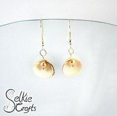 Shell pearl earrings, peach pearls, white shells, beach wedding bridesmaid earrings, summer, seaside, ocean earrings.Jewellery (jewelry) handmade in Scotland by Selkie Crafts.