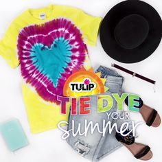 Wear your heart on your sleeve with this super easy Tie-Dye technique! to tie dye shirts step by step Fête Tie Dye, Tulip Tie Dye, Tie Dye Party, Bleach Tie Dye, How To Tie Dye, Designs Tie Dye, Tie Dye Folding Techniques, Fabric Dyeing Techniques, Tye And Dye