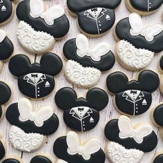 Wedding disney favors fun Ideas wedding favors disney cake toppers Disney Wedding Ideas to Have the Perfect Fairytale We Disney Wedding Favors, Disney Inspired Wedding, Unique Wedding Favors, Wedding Themes, Disney Wedding Shower Ideas, Wedding Ideas, Disney Bride, Disney Themed Weddings, Disney Wedding Centerpieces