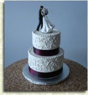 Fantastic 2-tier wedding cake by Windy City Cakery