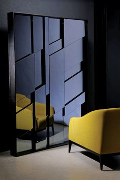 Okha mirror and chair