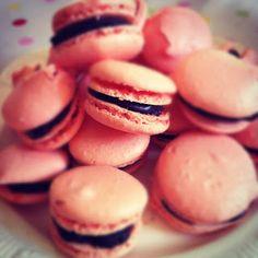 Macarons http://hollyspantry.blogspot.ie/