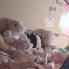my room a long time ago Retro, Kawaii Room, Weird Dreams, Pink Themes, Creepy Cute, Cry Baby, Pink Aesthetic, Plushies, Aesthetic Pictures