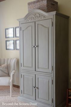 Dixie Belle Paint - Armoire Win Free Paint